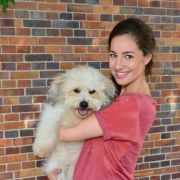 Nimmt Elena Garcia Gerlach Serienhund Chucho mit?