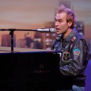 Leon Buche (28) aus Michendorf ist Musiker und singt