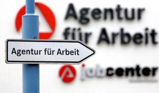 Jobcenter können ab 2017 Hartz-IV-Empfängern die Beiträge kürzen. (Foto)