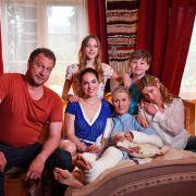 Neu bei RTL! Altenpflegerin Magda wirbelt Familie Holtkamp ordentlich auf (Foto)