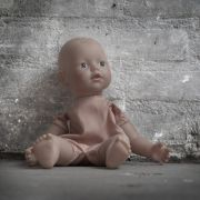 Baby verhungert in Wohnung neben toten Eltern (Foto)