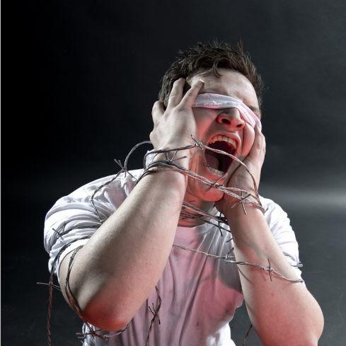 Gefesselter Behinderter im Live-Stream gefoltert (Foto)