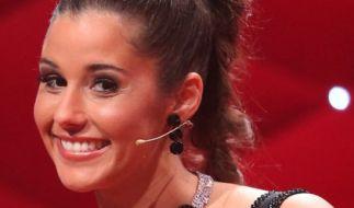 Sarah Lombardi hat sichtlich zugenommen - prompt spekulieren ihre Fans über eine erneute Schwangerschaft. Oder hat sich das DSDS-Sternchen nach der Trennung von Pietro Lombardi bloß Kummerspeck angefuttert? (Foto)