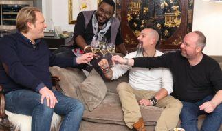 """Ralf Jakumeit (Zweiter von rechts) in """"Das perfekte Profi Dinner - Spitzenköche unter sich"""" auf Vox. (Foto)"""