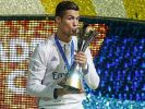 Bei der Wahl zum Weltfußballer des Jahres 2016 gilt Cristiano Ronaldo als Favorit. Der Stürmer gewann im Mai mit Real Madrid die Champions League und dann auch den EM-Titel mit Portugal. (Foto)