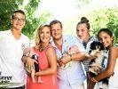 """Awww! Die ganze Familie Büchner (von links): Volkan, Daniela mit Diego, Jens mit Jenna, Joelina-Shirin und Jada mit Hund """"Gina"""". (Foto)"""