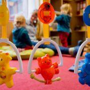 Horror-Kita! Kinder zum Füttern festgebunden? (Foto)