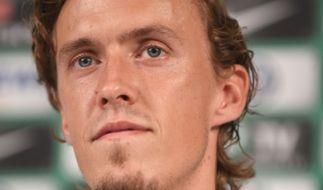 Fußballer Max Kruse, der für den SV Werder Bremen spielt, ist bei einem Autounfall bei Glatteis verunglückt. (Foto)