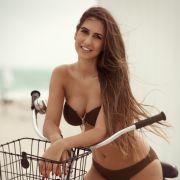 Clea-Lacy (25) ist die Tochter eines Brasilianers und einer Deutschen besticht mit ihrem Teint, ihren vollen Lippen und ihren langen braunen Haaren.