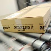 """Onkel Adolf"" grüßt Jüdin via Amazon-Paketlieferung (Foto)"
