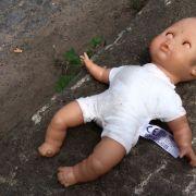 Onkel missbraucht Nichte (7 Monate) (Foto)