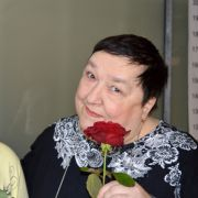 So rührend trauert Beate bei ihrer Beerdigung (Foto)