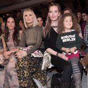 Johanna Klum (l-r), Monica Ivancan und Mirja du Mont mit Ruby bei der Show von Lena Hoschek bei der Berliner Fashion Week am 17.01.2017.