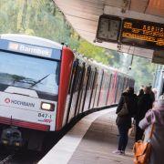 16-Jähriger stößt Frau auf Gleise in Hamburg (Foto)