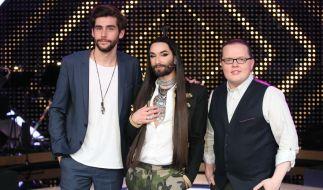 """Bei """"It takes 2"""" müssen die Promi-Kandidaten die Jury aus Álvaro Soler, Conchita und Angelo Kelly mit ihren Gesangsqualitäten überzeugen. (Foto)"""