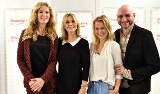 """Katja Burkard, Tina Ruland, Nova Meierhenrich und Ralph Morgenstern kämpfen um den Titel der """"Promi Shopping Queen"""". (Foto)"""