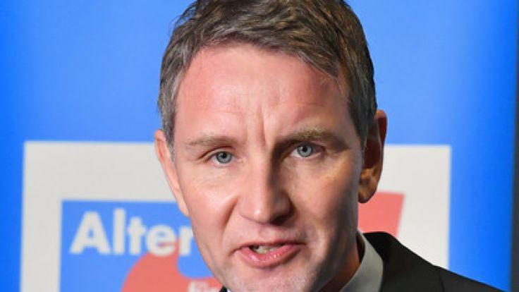 Sieht sich weiterhin mit einem möglichen Parteiausschluss konfrontiert: Thüringens AfD-Chef Björn Höcke. (Foto)