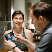 Marie (Victoria Mayer) und Peter (Godehard Giese) wollen Nina (Adrianna) adoptieren.