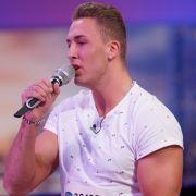 Aleksander Ilic 20 Jahre, aus Kaprun (Österreich) Beruf: Schüler Song: