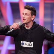 Ruzhdi Uka 19 Jahre, aus Rheine Beruf: Arbeitssuchend Song: