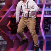 Simon Berndt 29 Jahre, aus Berlin Beruf: Tanzlehrer, Hostelmanager Song: