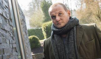 """Hausbesuche in """"Tatort: Söhne und Väter"""": Devid Striesow alias Kriminalhauptkommissar Jens Stellbrink. (Foto)"""