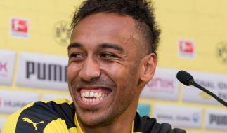 Er hat gut lachen: Ein Wechsel des BVB-Stürmers Pierre-Emerick Aubameyang scheint im Sommer bevorzustehen. (Foto)