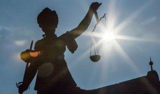 In London stand eine 30-jährige Litauerin vor Gericht, die ihr neugeborenes Baby mit einem Slip erdrosselt haben soll - das Gerichtsurteil für die Tat ist jedoch überraschend (Symbolfoto). (Foto)