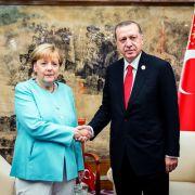 Bundeskanzlerin Merkel mahnt Erdogan (Foto)