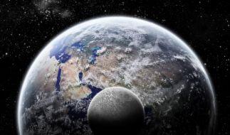 Wird der Mond auf die Erde krachen? (Foto)