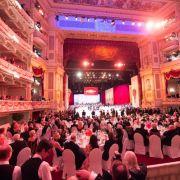 DIESER Prinz erhält den Orden beim Semperopernball 2017 (Foto)
