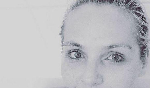 Versuch macht klug. Keine vorteilhafte Badewannenpose für Helena Fürst (Foto)