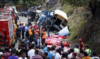 In Honduras wurden 23 Menschen bei einem schweren Busunglück getötet. (Foto)
