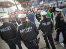 Bundeskabinett berät über besseren Schutz von Polizisten. (Foto)