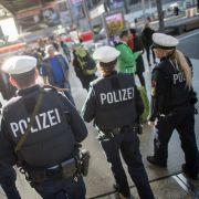 Neues Gesetz im Anmarsch: 5 Jahre Knast für Attacken auf Polizisten (Foto)