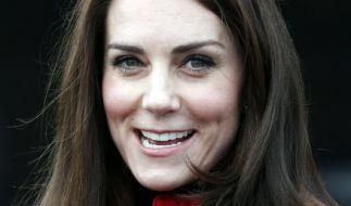 Ist Herzogin Kate wieder schwanger? (Foto)
