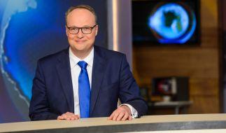 """Oliver Welke freut sich auf eine neue Ausgabe der """"heute-show"""". (Foto)"""