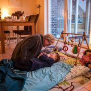 So werden Eltern mit der Sterbebegleitung unterstützt (Foto)