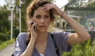 Sylvie (Anja Knauer) erstickt im Chaos. (Foto)