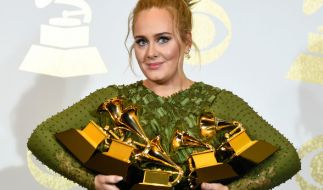 Adele war die große Abräumerin bei den Grammys 2017. Sie ging mit fünf Trophäen nach Hause. (Foto)