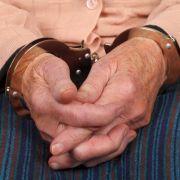 Rentner (84) droht Passanten mit Machete (Foto)