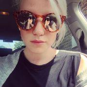Die Sonnenbrille verrät, wie das Bild entstanden ist...
