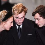 Zugegeben, Prinz Joachim von Belgien (Mitte) schaut ein wenig düster drein - doch das tut der Tatsache keinen Abbruch, dass der Prinz einer der begehrtesten Single-Männer der Adelswelt ist.