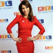 """Babyfläschchen statt RTL-Nachrichten: """"It takes 2""""-Star erwartet ein Mädchen! (Foto)"""