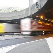 Mit 200 Sachen durch die Schweiz - Haftstrafe! (Foto)