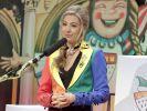 Sitzungspräsidentin Martina Kratz steht der Veranstaltung vor. (Foto)