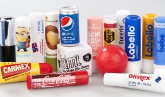 Lippenpflegestifte sind häufig mit kritischen Stoffen belastet. (Foto)