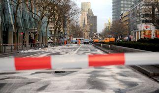 Die gesperrte Tauentzienstraße am 01. Februar 2016 in Berlin nach einem illegalen Autorennen. Das Urteil in dem bislang einmaligen Mordprozess fiel am Montag. (Foto)