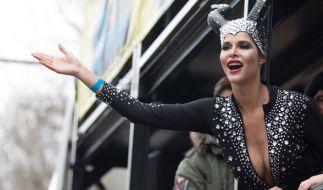 Micaela Schäfer zeigt sich am Karneval als sexy Braut. (Foto)
