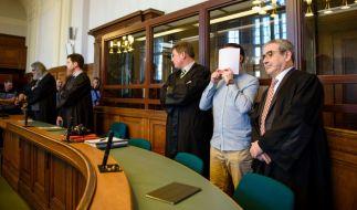 In Berlin sind am Montag zwei Männer wegen einem illegalen Autorennen mit tödlichem Ausgang wegen Mordes zu lebenslangen Gefängnisstrafen verurteilt worden. Das harte Urteil ist bislang einmalig. (Foto)